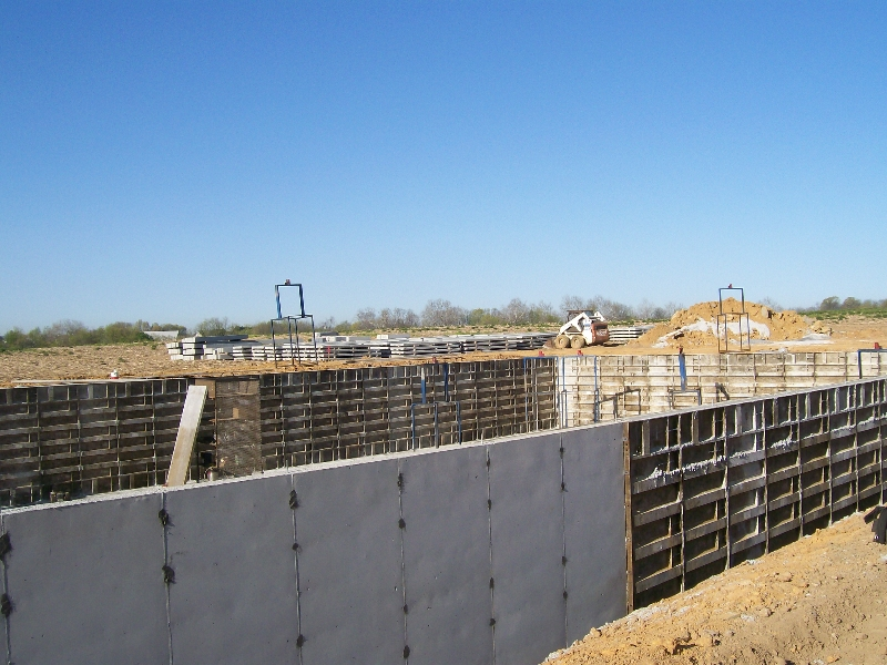 Concrete wall foundations icf installation associates for Cost of poured concrete walls