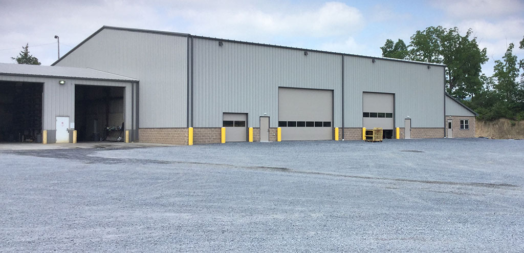 110'x109'x24' Steel Equipment Maintenance Shop with attached Office/Bathroom Lean-to